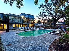 Chateaux Dijon Apartments - Houston