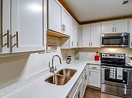 University Center Apartments - Murfreesboro