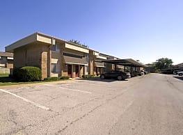 Lakeview Townhomes & Villas - Wichita Falls
