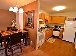 Deer Valley Apartments - Guilderland