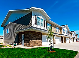 Maple Grove Townhomes - West Fargo
