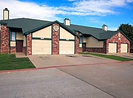 Sycamore Pointe Townhomes - Fort Worth