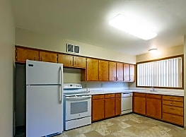 Colonial Village Apartments - Fergus Falls