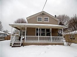 216 W 7th St - Oswego