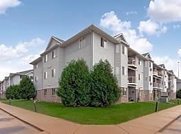 The Woods Apartments - Fargo
