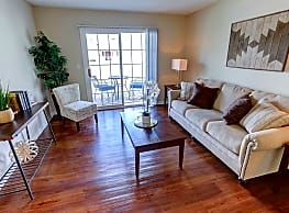 Autumn Creek Apartments - East Amherst