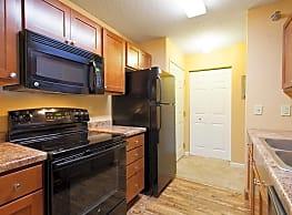 Lake Place Apartments & Townhomes - Eden Prairie