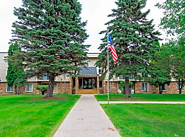 Broadway Apartments - Fergus Falls