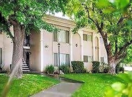 Clovis Courtyard Apartments - Clovis
