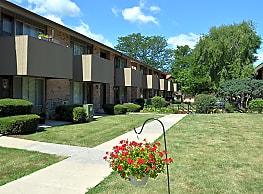 Lisbon Court Apartments - Milwaukee