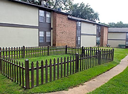 Chelsea Creek Apartments - Tyler
