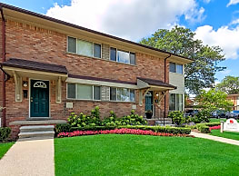 Arlington Apartments & Townhomes - Royal Oak