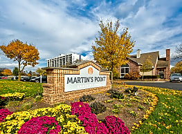 Martin's Point Apartment Homes - Lombard