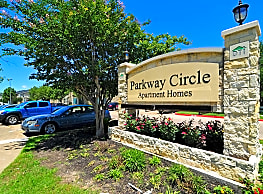 Parkway Circle Apartments - College Station