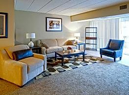 The Forum Apartments & Health Club - Cincinnati