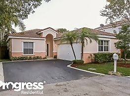 4792 NW 5th Pl - Pompano Beach