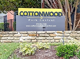 Cottonwood at Park Central - Dallas