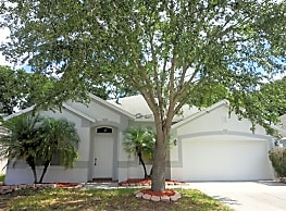 This 3 bedroom 2 bath home has 1,689 square feet o - Tampa