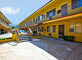 Sun Valley Apartments - Sun Valley