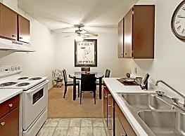 Bradley House Apartments - Saint Paul