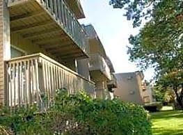 Twin Oaks Village - Mansfield