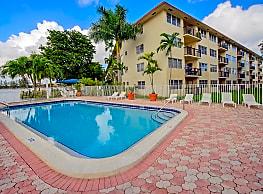Apartments at Crystal Lake - Pompano Beach
