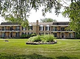 Knollwood Village Apartments - Grand Blanc