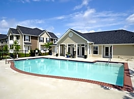 Longhill Pointe Apartments & Townhomes - Fayetteville