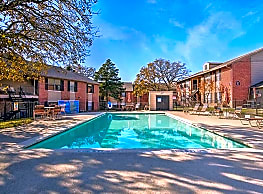 Rolling Oaks Apartments - Giddings