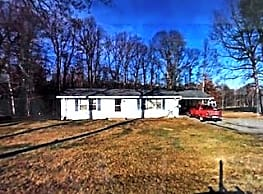 4637 Coopers Mountain Rd - Martinsville