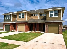 Top Choice Town Homes - Moore