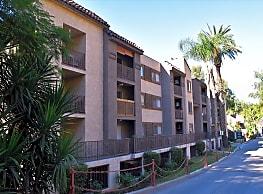 2039 N Las Palmas Ave - Hollywood