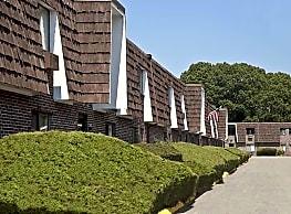 Sandy Lane Apartments - Warwick