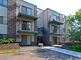 Pine Pointe Apartments - Saint Cloud