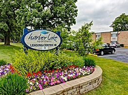 Harbor Lake Apartments - Waukegan