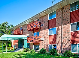 Heritage Green Apartments - Mundelein