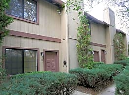 Almond Grove Apartments - Fair Oaks