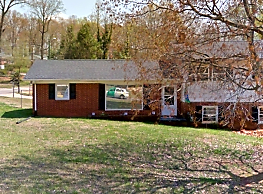 204 Forestway Dr - Mount Holly