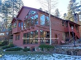 Spacious Home On Evergreen Lake! - Evergreen
