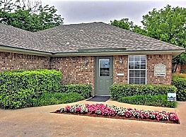 Sherwood Forest Apartments - Waco