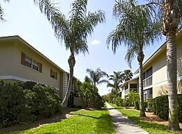 Country Gardens - Palm Bay
