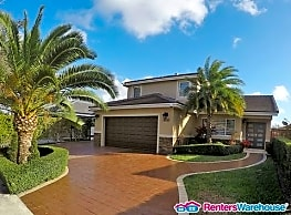 Top of the Line Elegant Home in West Lake Gardens - Miami Lakes