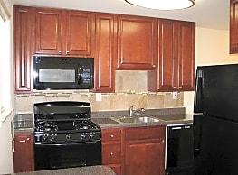 Yorkewood Apartments - Baltimore