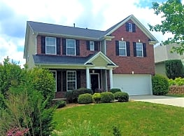 This 4 bedroom 2.5 bath home has 2,860 square feet - Pineville