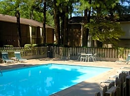 Meadowbrook Apartments - Pine Bluff
