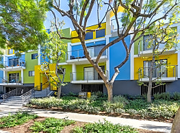Croft Plaza - West Hollywood