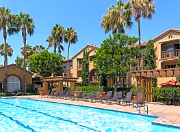 Estancia Apartment Homes - Irvine
