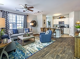 Sterling Manor Apartments - Williamsburg