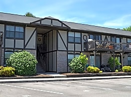Carriage Trace Apartments - Clinton