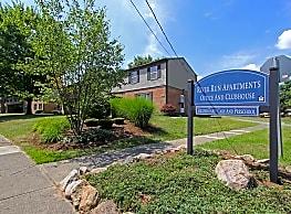 River Run Apartments - Warren